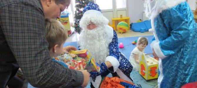 Елка для малышей в игровой «Елки-Иголки» 2 января
