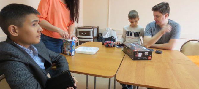 7 сентября, занятие «Необычной школы» в Гуманитарном центре — библиотеке им. семьи Полевых. Фотохроника (45 фотографий)